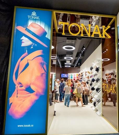 b66fde5a208 Concept Store TONAK a.s. v Praze v OC Chodov